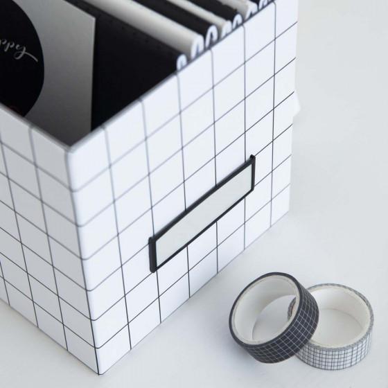 Boîte à CD quadrillée avec étiquette