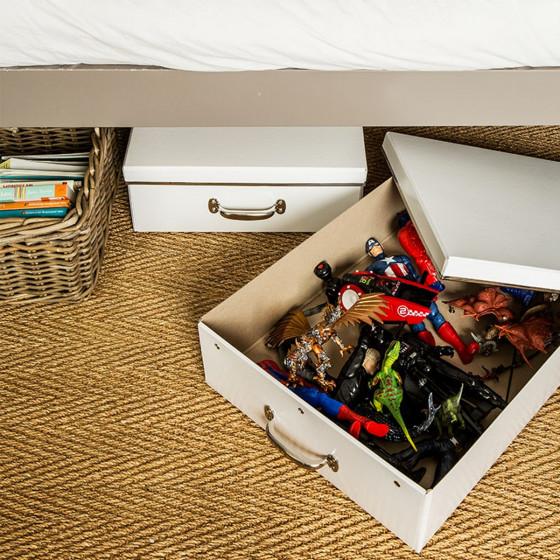 Boîte sous le lit en carton recyclé blanc avec poignée métallique